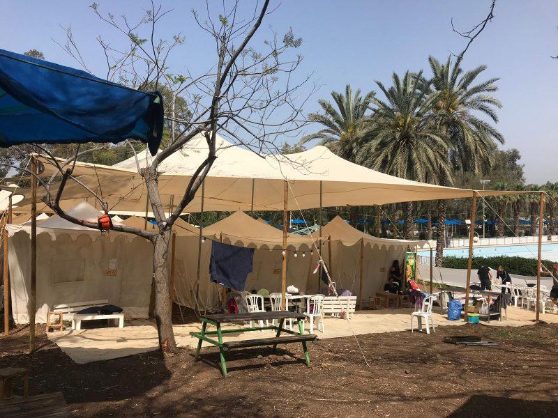 מתחם קמפינג - 30 אוהלים ממוזגים